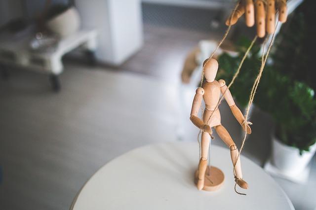 木製の操り人形