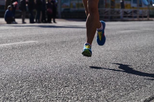 ランナーが走る姿