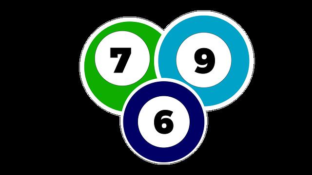 6・7・9の数字が付いたボールのイラスト